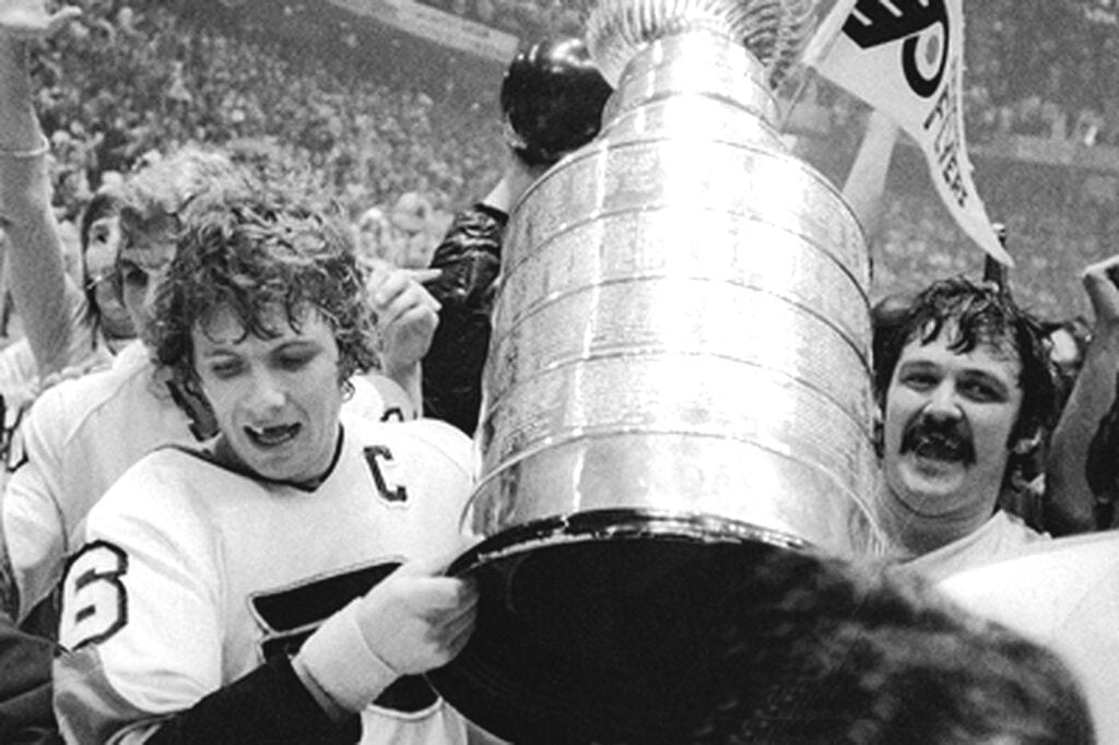 Flyers Alumni With the Stanley Cup